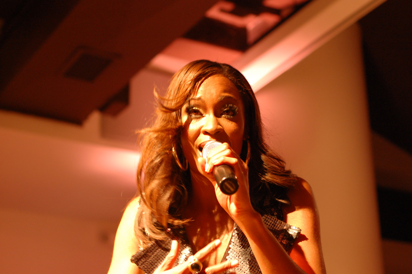 Shontelle Live @ Club Twelve 21, NYC [Photo by Sam Frank] [Email: sfrank@unratednyc.com]