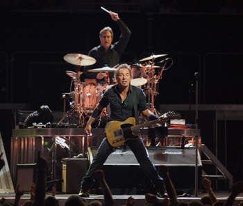Bruce Springsteen Gives Giants Stadium its Swan Song